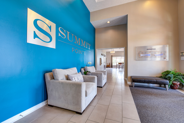 lobby at Summit Pointe Apartments