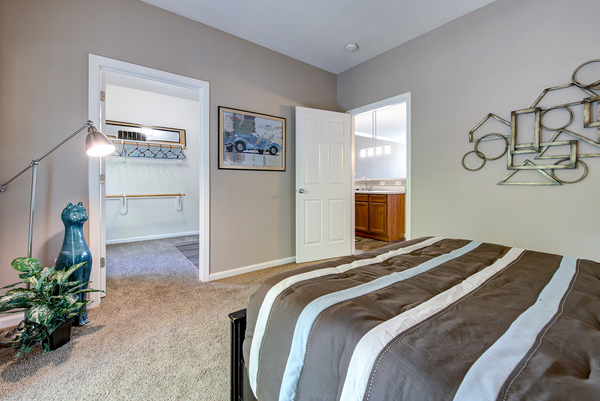 bedroom at Summit Pointe Apartments