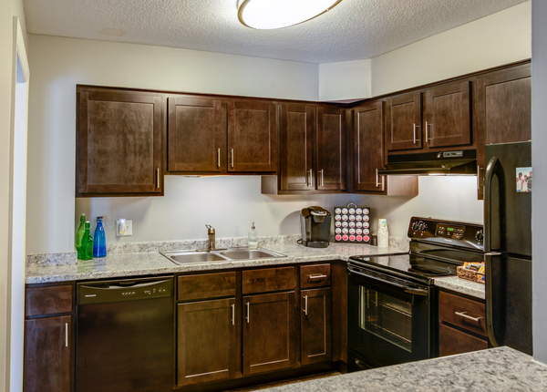 kitchen at Glen at Burnsville Apartments