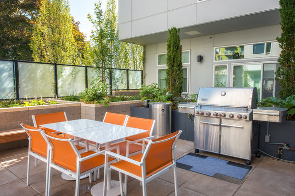 grill area at Ballard On 20th Apartments