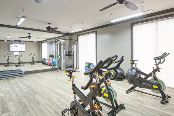 fitness center at Vinings of Hurstbourne Apartments