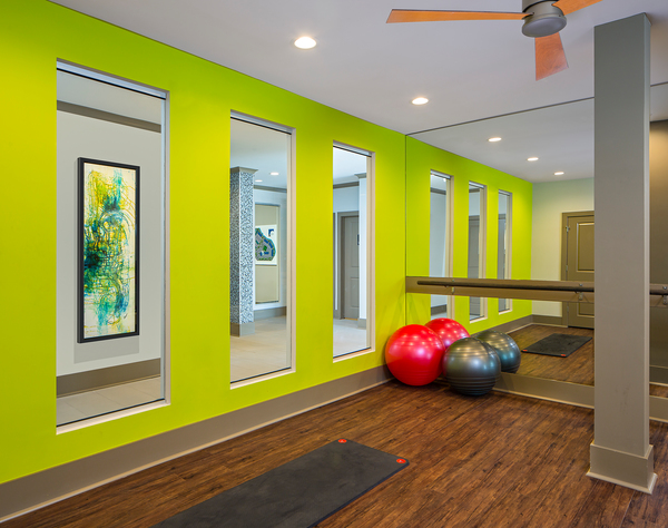 fitness center at Metro Apartments