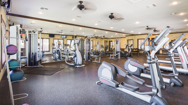 fitness center at Signature Ridge Apartments
