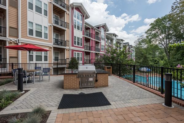grill area at Novus Odenton Apartments