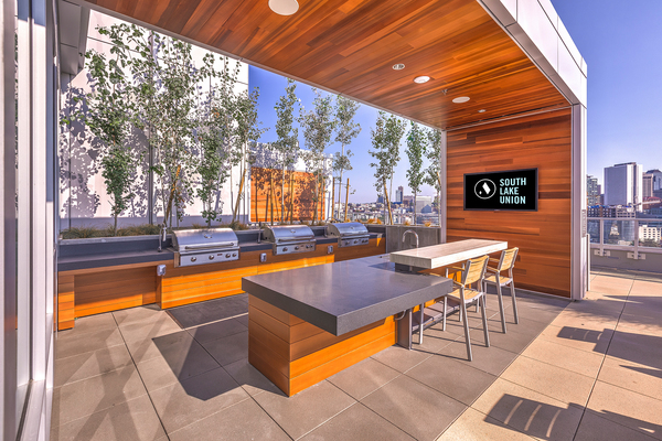 grill area at Ascent South Lake Union Apartments