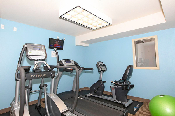 fitness center at Lumen Apartments