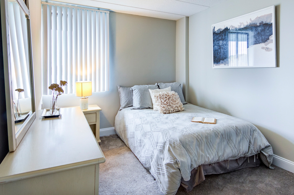 bedroom at Jefferson Hills Apartments, A Greystar Community