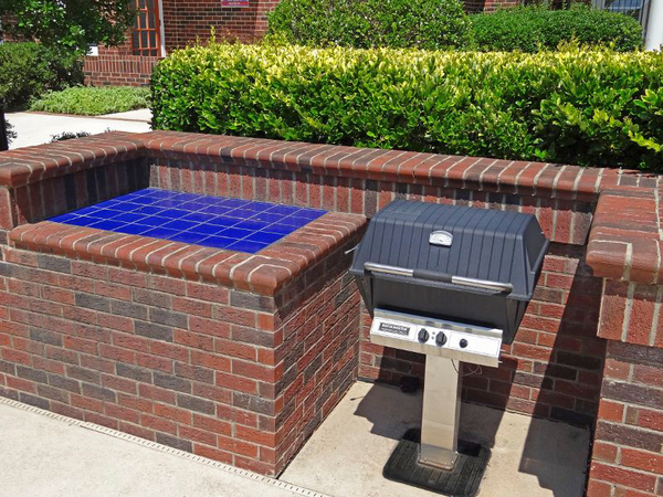 grill area at Wakefield Glen Apartments
