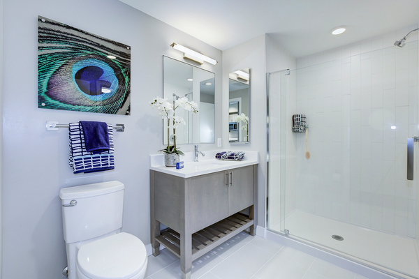 bathroom at Valo Apartments