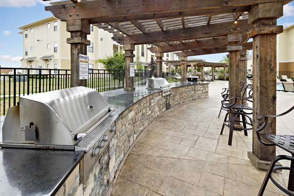 grill area at Domain at Town Centre Apartments