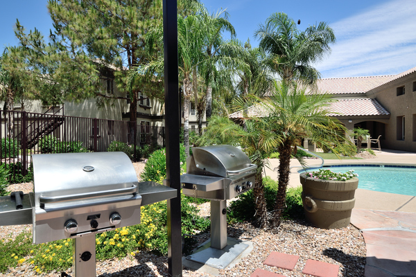 grill area at Lumiere Chandler Condominiums