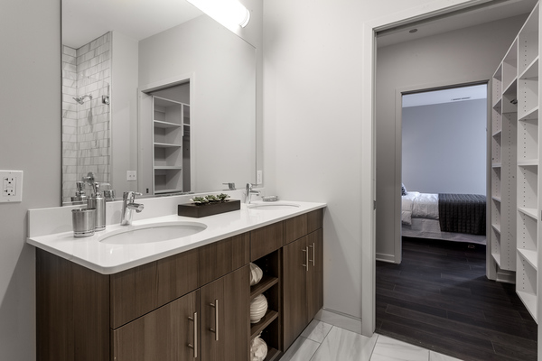 bathroom at Luxe on Chicago Apartments