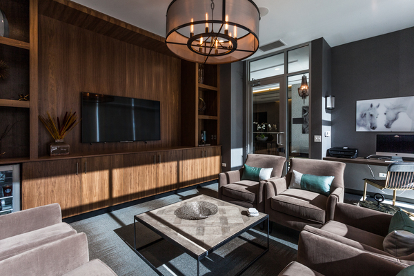 clubhouse at Luxe on Chicago Apartments