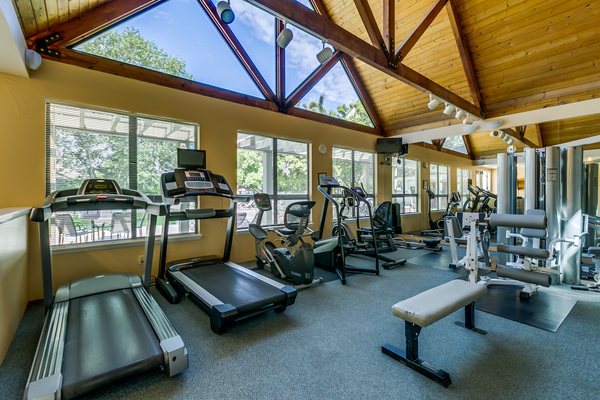 fitness center at Reedhouse Apartments