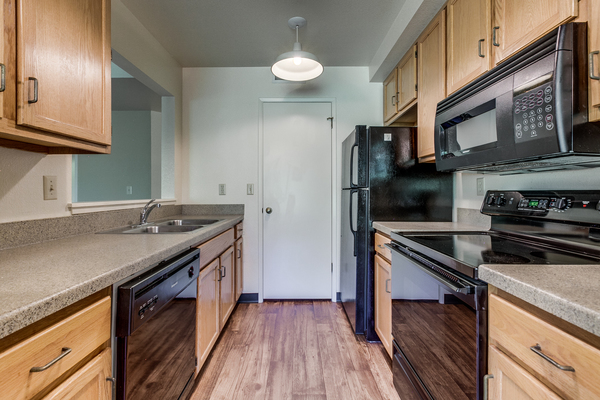 kitchen at Reedhouse Apartments