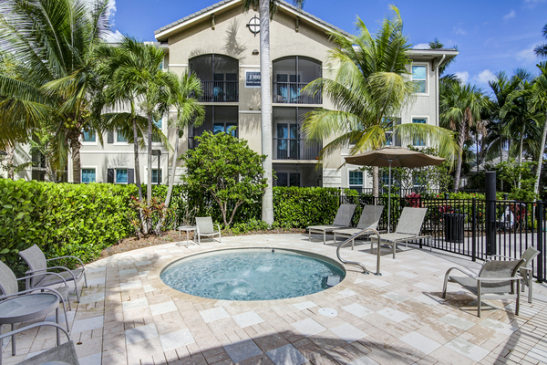 hot tub/jacuzzi at The Quaye at Palm Beach Gardens Apartments