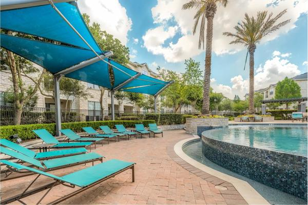 pool at Deseo at Grand Mission Apartments