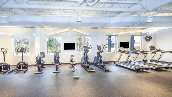 fitness center at Vista Towers Apartments