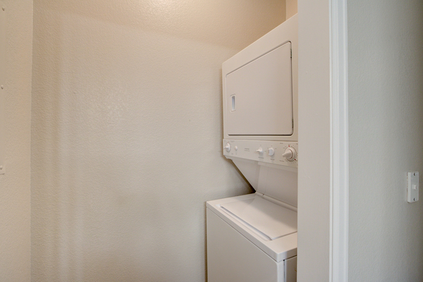 laundry room at Alvista Harmony