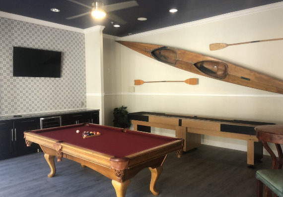 game room at Emerald Park Apartments