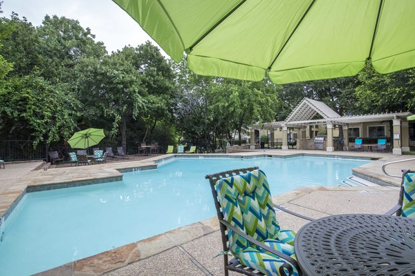 pool at Round Grove Apartments