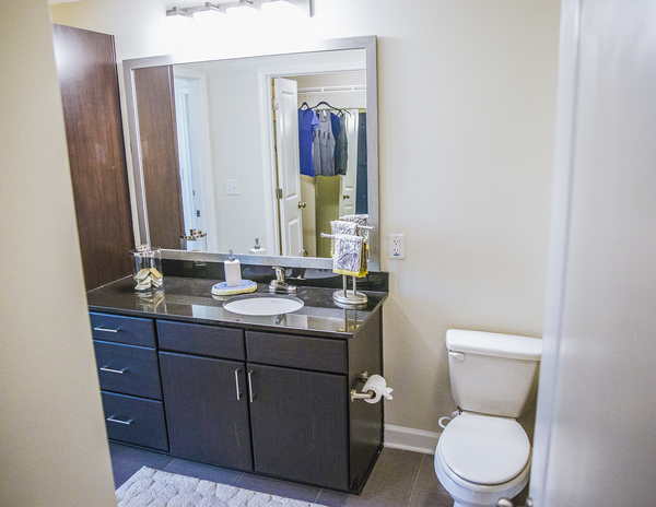 bathroom at Elan Midtown Luxury Apartments