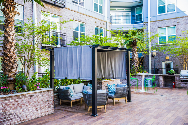 patio/balcony at Elan Midtown Luxury Apartments
