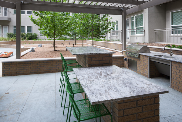 grill area at Alexan Crossings Apartments