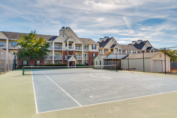 sport court at Assembly Herndon Apartments