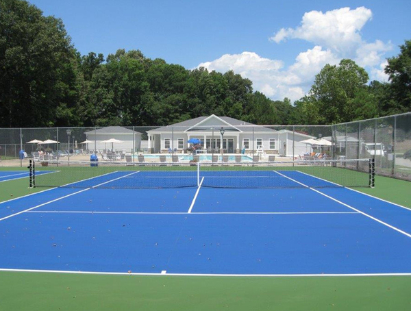 tennis court at Pines of York Apartments