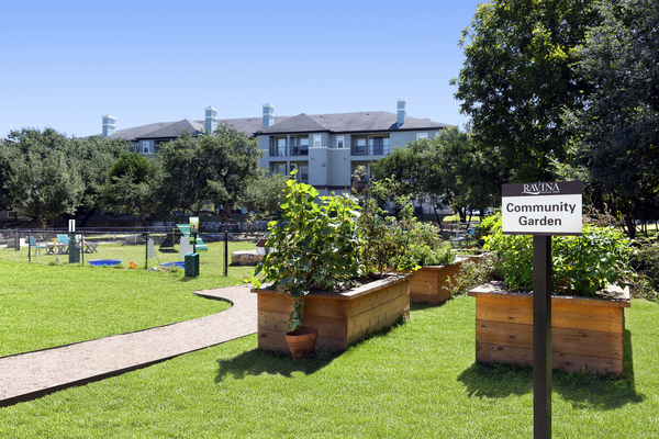 community garden at Ravina Apartment Homes