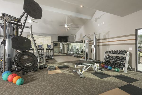 fitness center at Sunset Ridge Apartment Homes