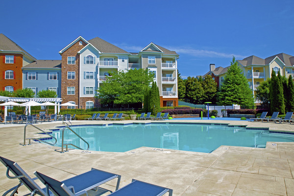 pool at Estates at Johns Creek Apartments
