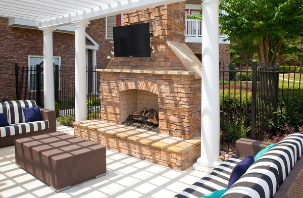 patio at Estates at Johns Creek Apartments