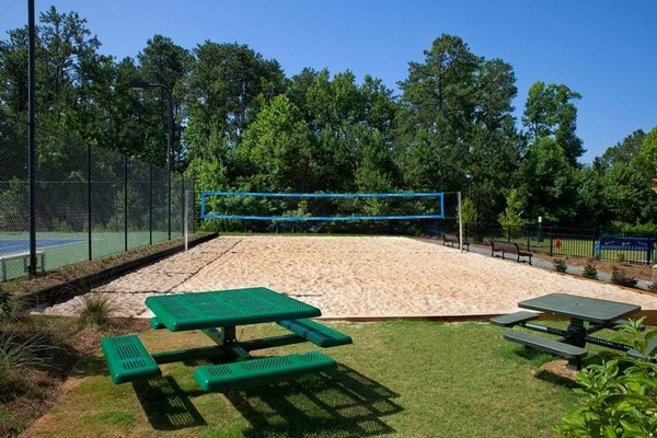 sport court at Estates at Johns Creek Apartments